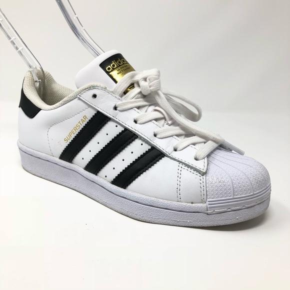 sports shoes fab40 7293d Adidas Superstar White Black C77153 Women Size 5